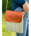 Linen crossbag with leather flap