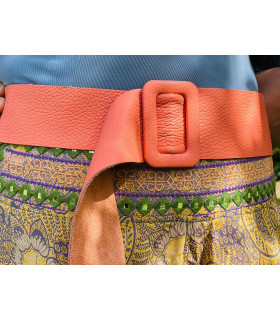 Leather belt with rectangular buckle