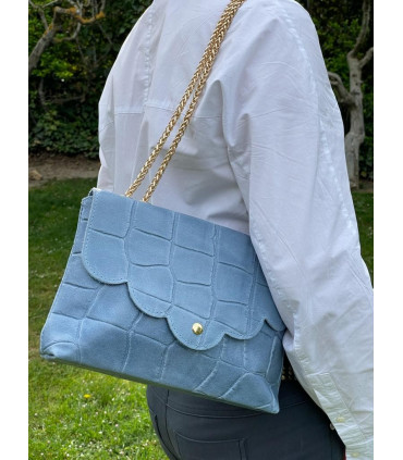 Leather crossbody bag and gold chain