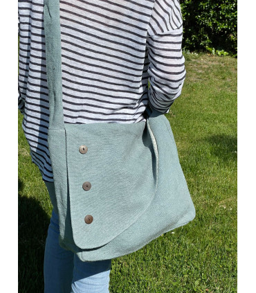 Linen crossbag with flap