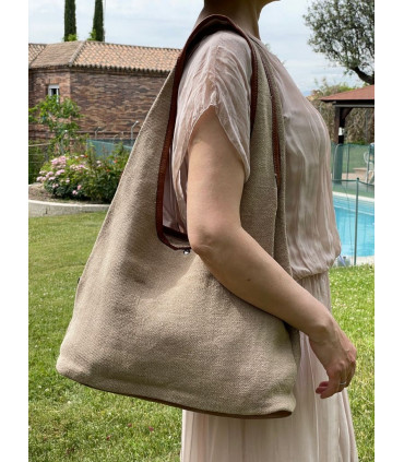 Linen crossbag with three compartments