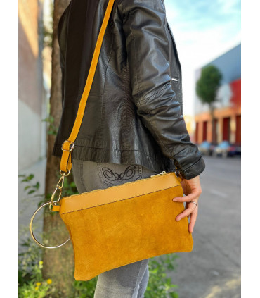 Leather crossbody bag with golden ring