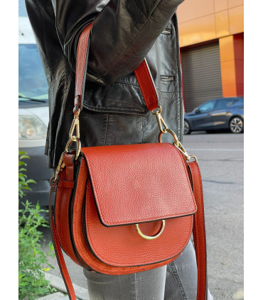 Leather shoulder strap with flap